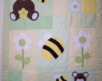 Hand Appliqued Teddy Bear and Bumblebees Patchwork Baby Girl or Boy Quilt in Green and Yellow