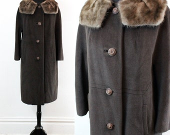 Vintage 1950s fur collar coat . Chocolate Truffle .  brown wool 50s / 60s coat with mink collar