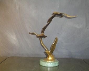Vintage Brass Bird Sculpture Three Seagulls Birds in Flight Green Marble Base Mid Century Modern Minimalist Nautical