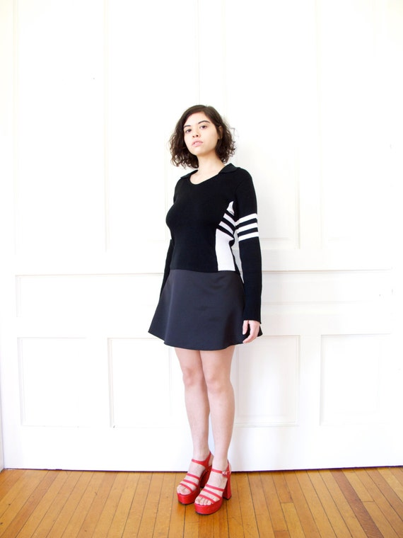 90s Sporty Cropped Rib Knit Sweater / Black and White Stripe Color Block Jumper