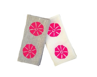 SALE: Neon pink Otto linen napkins in off-white (set of 4)