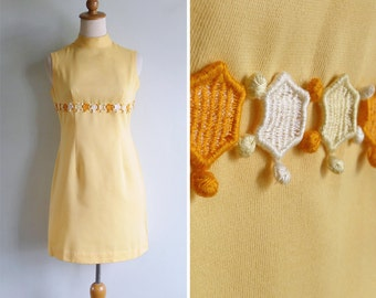Vintage 60's Yellow Bumblebee Honeycomb Mod Turtleneck Shift Dress S or M