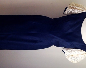 Vintage 1960s Women's Navy Blue Silk Dupioni and Cream Lace Puff Sleeve Dress 6 8