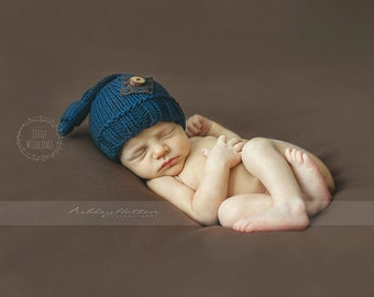Knit Knot Cotton Navy hat for newborn boys with natural wood button