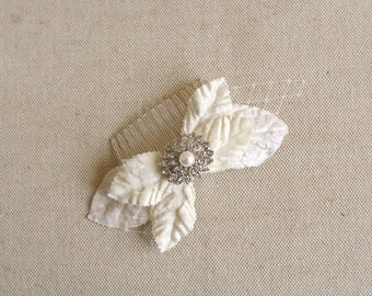 Ivory Bridal Hair Comb, Ivory Leaf Hair Comb, Rhinestone Bridal Hair Accessory, Ivory Wedding Hairpiece, Vintage Style Bridal Headpiece