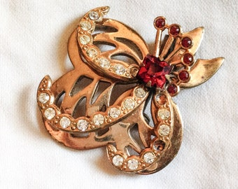 Free Shipping: Vintage Art Deco Brass Cutwork and Rhinestone Brooch