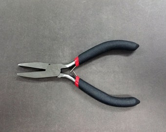 1 Pair - Flatnose Pliers with Rubber Handle Tool G0002
