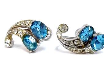 Vintage Wiesner Aquamarine Clear Rhinestone Screw Back Earrings Turquoise Aqua Rhinestone Screw On Earrings Wedding Bridal Earrings DD 175