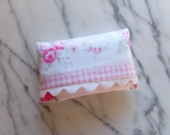 Shabby Chic Tissue Holder with Ric Rac Trim
