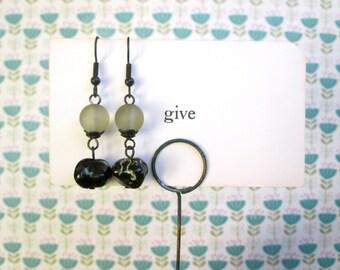 Linden Earrings green glass by Nancelpancel on Etsy