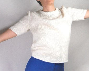 White ribbed sweater in Orlon acrylic with short sleeves vintage from 1960s size M // classic style // rock n' roll
