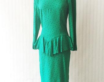 Vintage 80s green peplum dress/ black polka dots/ 80s does 40s/ long sleeve emerald dress