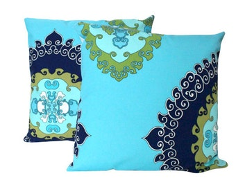 Two Outdoor Super Paradise Print in Blue - Schumacher Pillow Covers