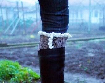 Crochet pattern Boot cuffs with ruffles leg warmers short boot socks, knit look crochet, DIY photo tutorial, Instant download