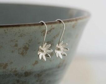 Silver Daisy Earrings    PMC Fine Silver Clay Jewellery    Handmade Recycled Silver Flower Earrings    Wild Silver Jewellery