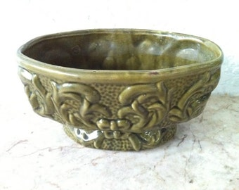 ViNTAGE ART POTTERY - Artware - Avocado Green Oval Planter - Bows & Scrolled Leaves Design - Mid Century Modern American Art Pottery - 1960s