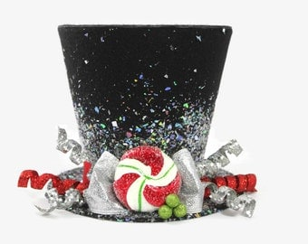 Christmas tree topper ,Top hat tree topper, Christmas table decoration, Silver and Red Christmas decoration