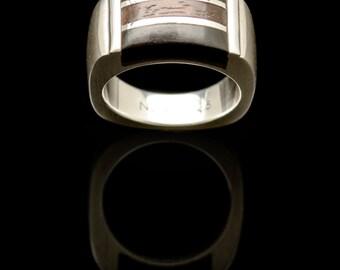 Ringe aus holz und metall
