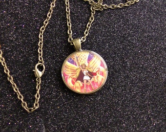 She-Ra Princess of Power Golden Necklace - Antiqued Bronze Pendant and Chain Masters of the Universe