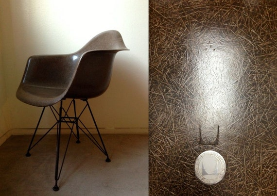 brun moka eames chaise en fibre de verre armshell herman. Black Bedroom Furniture Sets. Home Design Ideas