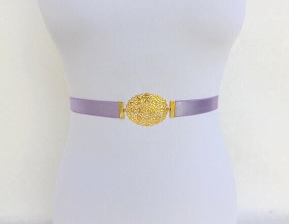 Light purple elastic waist belt. Skinny dress belt. Gold filigree oval buckle. Bridal/ Bridesmaid Lavender Purple Wedding belt