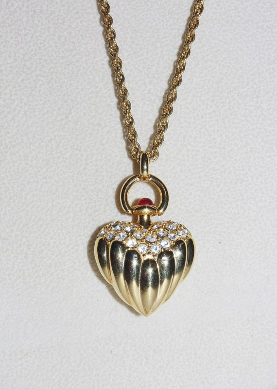 Joan rivers ribbed heart necklace gold tone with crystals for Joan rivers jewelry necklaces