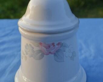 Pfaltzgraff Sugar Bowl & Lid, Wyndham Pattern, Pink Roses