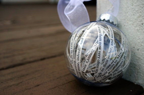 Pride and Prejudice Ornament | Bibliophile Gift Guide