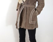 1970s Genuine Suede Leather Taupe Brown Shearling Collar Jacket Coat