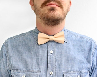Leather Bowtie Caramel / Tan Leather / Bow Tie for Men / Leather Bow Tie / Mens Bowtie / Boys Bowtie / Groomsmen Gift / Boyfriend Gift
