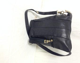 Tignanello, black leather,purse,bag, Butter Soft,black Leather,bucket bag, Shoulder Bag,fringed tassel