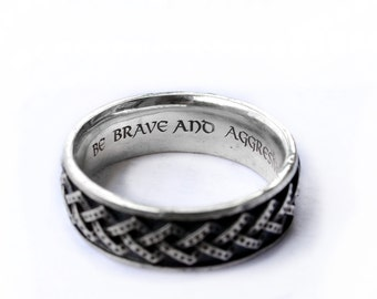 Engravement on rings and pendants