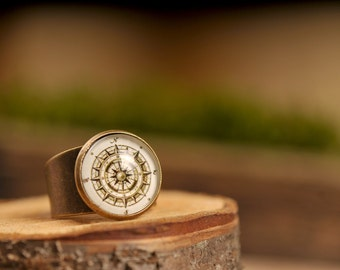 Vintage compass ring, adjustable ring, statement ring, antique compass ring, antique brass ring, glass dome ring, ancient compass ring