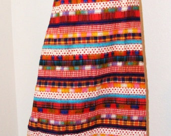 1970s Vintage Long Multi Colored Skirt in size 9/10