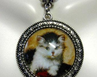 Mischief kitten pendant with chain - CAP26-046