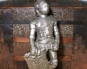 """Large 24"""" Vintage Medieval Knight in Armor Chalkware Statue Sculpture"""