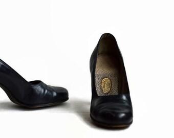 40's Vintage Heels I. Miller Guildhall Pumps Dark Navy Blue 5.5
