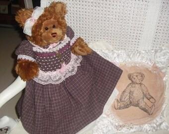 Grande Orso con vestito vintage