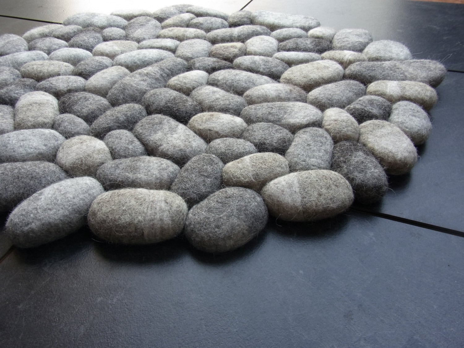Felt Stone Rug Bath Mat Super Soft With Soft Core Wool Grey