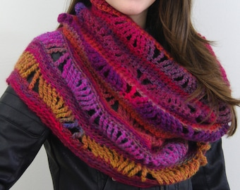 Crochet Infinity Wavy Scarf