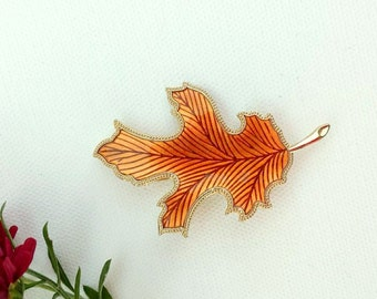 FREE SHIPPING! Fall Leaf Brooch, Vintage, Gold, Brown, Oak Leaf Pin, Autumn Brooch, Autumn Decor, Jewelry, Fall Accessories, Fall Trends