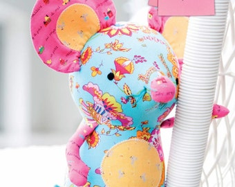 Mabelle the Mouse Toy Sewing Pattern Download (803776)