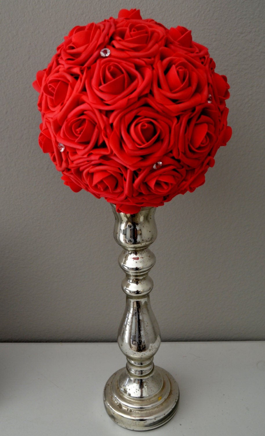 Red flower ball with bling wedding centerpiece kissing
