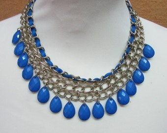 1980s electric blue & gold-tone chain link collar necklace