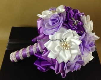 Lavender Wedding Bouquet Wedding Flowers Silk Flowers Handmade Flowers Bridal Bouquet Bridesmaid Bouquet with Satin Ribbons crystals pearls