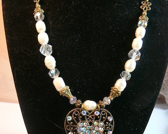 Vintage Heart and Pearls
