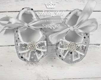 Silver Baby Shoes, Baby Girl Shoes, Crib Shoes, Infant Shoes, Newborn Girl Shoes, Frozen Movie, Sequin Baby Shoes, Christmas Baby Shoes