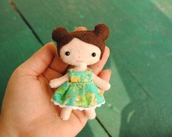 Felt Doll Sewing Pattern * Miniature Dollhouse Doll Pattern * 4 inch Tall Mini Doll With Buns. Poseable Kawaii Dolls. Handmade Gif