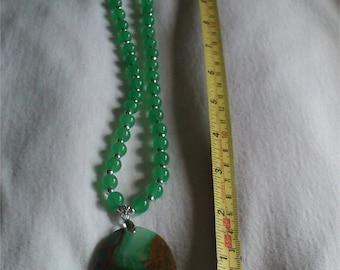 Agate Necklace - Green & Brown detail - BNIB