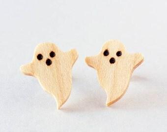 Ghost earrings,  small wood earrings, stud earrings,  post earring, casual jewelry, pyrography wood, wooden ghost earrings, Halloween